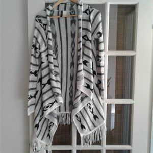 Long cardigan with ethnic patterns